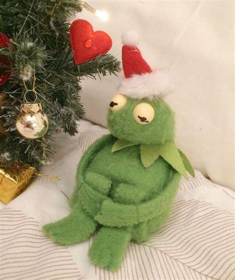 kermit ideas  pinterest kermit  frog reaction pics  kermit  frog meme