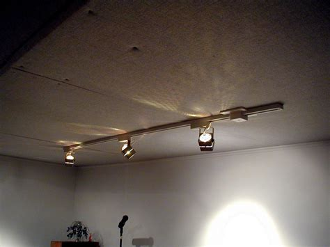 How to install track lighting On WinLights.com   Deluxe