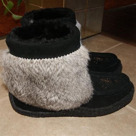 mukluk slippers canada pin by moccasins canada on moccasins canada