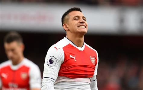 alexis sanchez weekly wage alexis sanchez prepared to take pay cut to join manchester