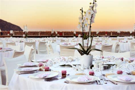 Hochzeitsdeko Tisch Schlicht 75 ideen f 252 r hochzeitsdeko romantik pur am tisch