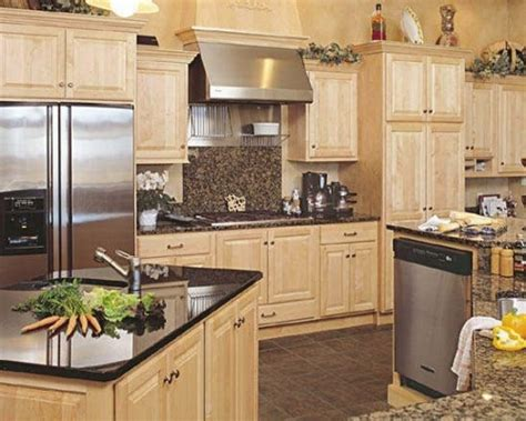 Moving Kitchen Cabinets Maple Kitchen Cabinets With Granite Countertops Moving New House Pinterest Maple Kitchen