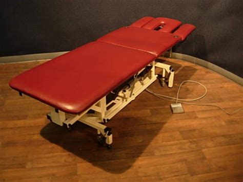 physical therapy tables for sale used akron 8252 physical therapy table for sale dotmed