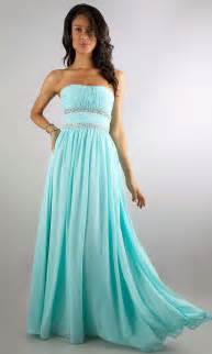 Pick long prom dresses for your daughter