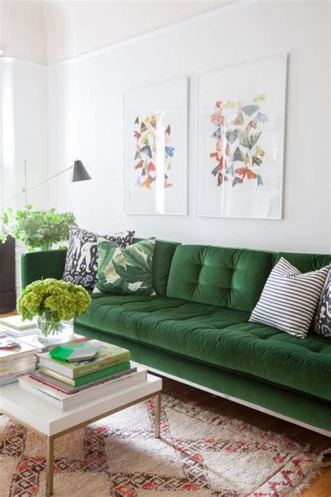 green sofa living room ideas mettez un canap 233 vert et personnalisez l int 233 rieur