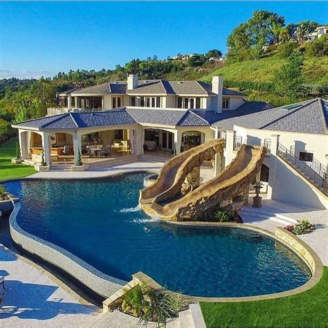 best 25 mansions ideas on mansions homes mansion and luxury mansions