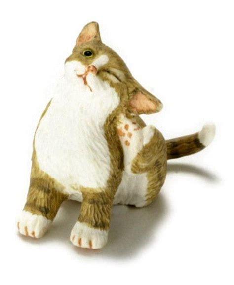 kat krabt aan behang kat krabt aan oor avontuur in miniatuur