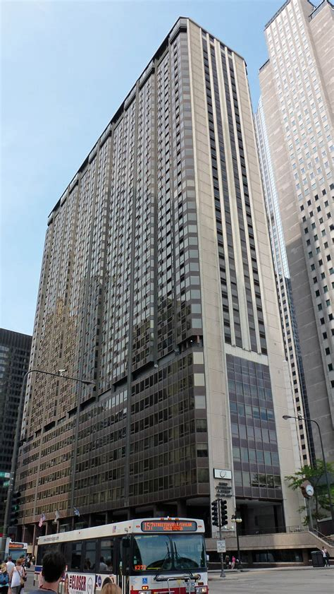 Apartments In Chicago On Michigan Ave Chicago Apartment Review Millennium Park Plaza 151 N