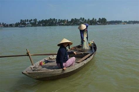 rowing boat nha trang 258 best vietnam boat 2 images on pinterest boats