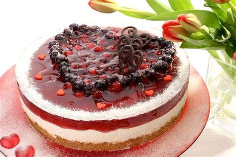 big m fruit cake small fruit cake with big raspberry nasladko cz