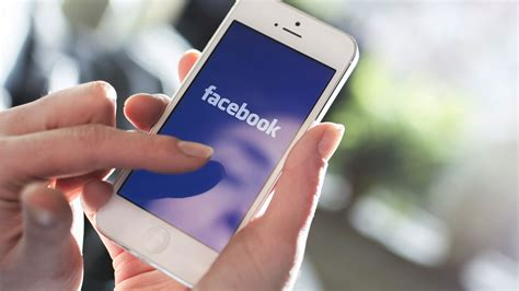faceebook mobile nearly 80 percent of social media time now spent on mobile