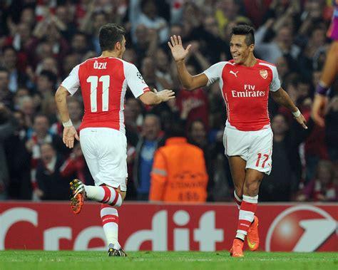 alexis sanchez lonely celebration alexis sanchez celebrates scoring the 3rd arsenal goal