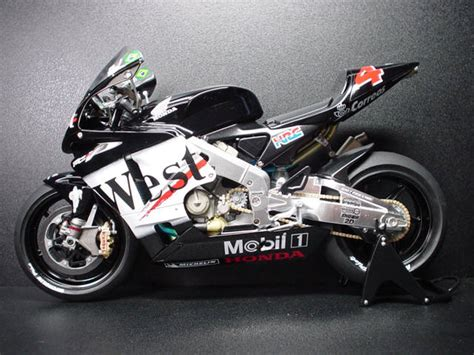 west honda pons rc211v 02