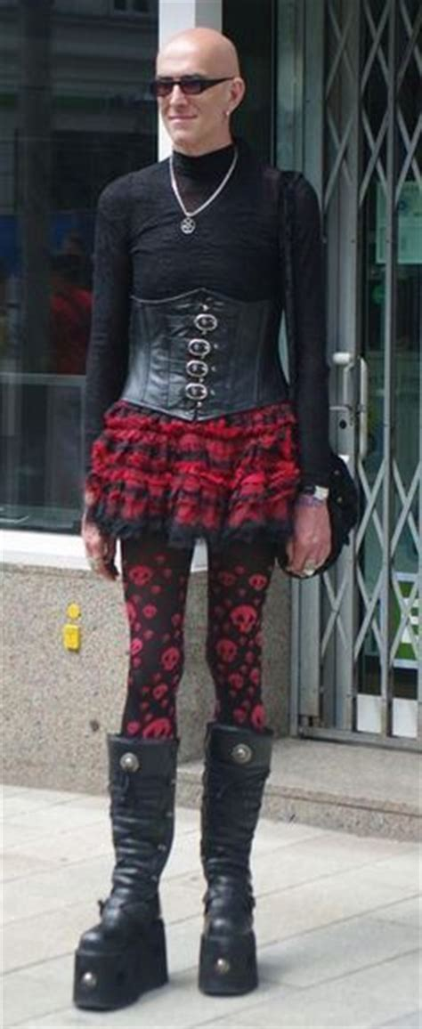 7 Worst Fashion Disasters Of The Decade by 1000 Images About Fashion Disasters On
