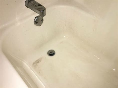 bathtub cleaning tips 13 simple bathtub cleaning tips for totally gunky tubs