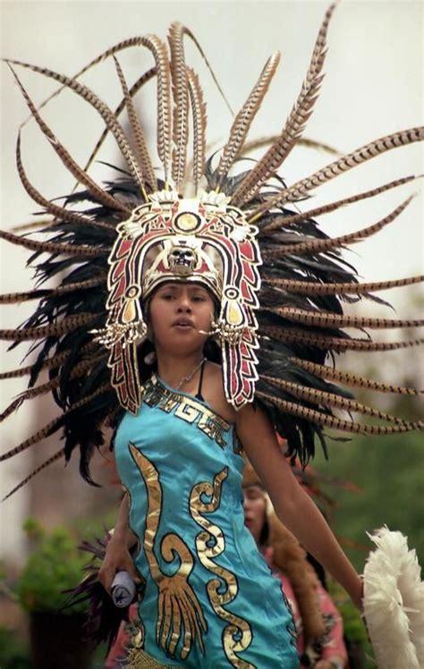 imagenes aztecas de mujeres traje azteca trajes aztecas concheros trajes