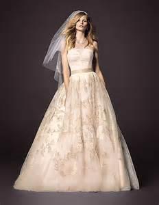 Wedding Decor With Tulle Oleg Cassini Bcwg614 Size 18 Wedding Dress Oncewed Com