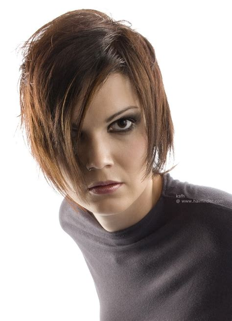shorter hair styles that swing classic grunge hairstyle or layered short swing style