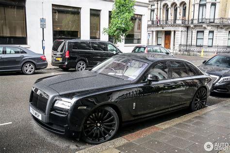 roll royce wraith black rolls royce ghost 25 june 2016 autogespot