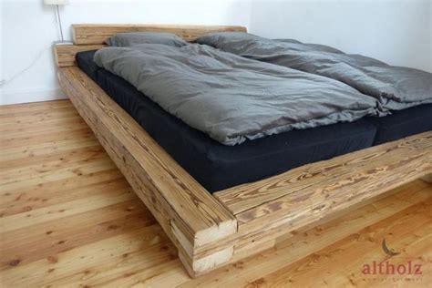 altholz schlafzimmer bettgestell aus altholz balken mit originaler