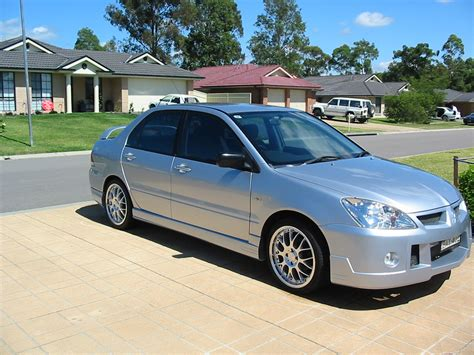mitsubishi sedan 2004 2004 mitsubishi lancer es related infomation