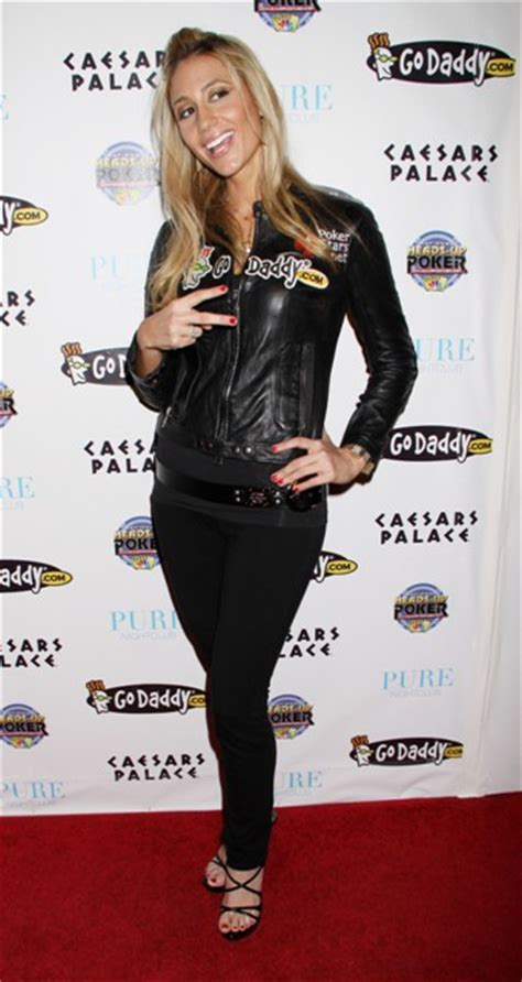 Celebrity photos: Vanessa Rousso is a HOT Pro Poker Player (PHOTOS)