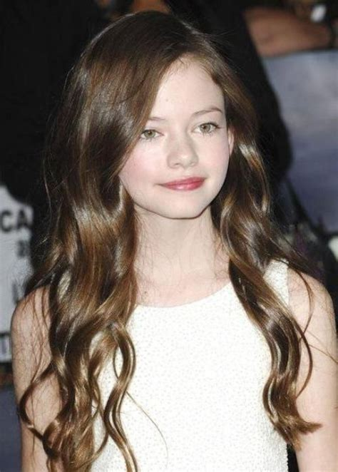 brunette actress hairstyles actress mackenzie foy is radiant with her long brunette