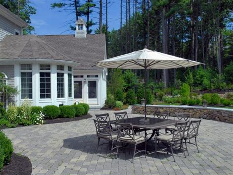 build patio laying  tips and tricks for paver patios diy
