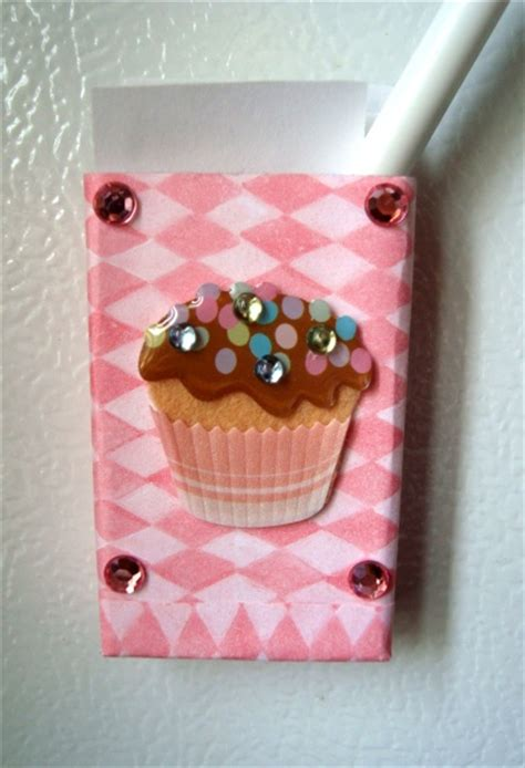 Paper Cupcake Craft - cupcake magnet paper holder think crafts by createforless