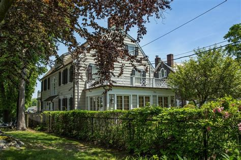 amityville house address the amityville horror house is up for sale