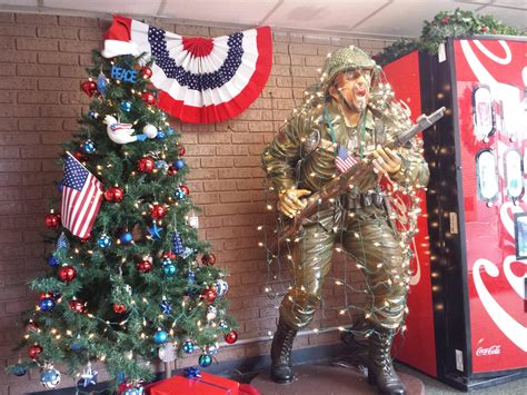 now that s how america does it s christmas decorations