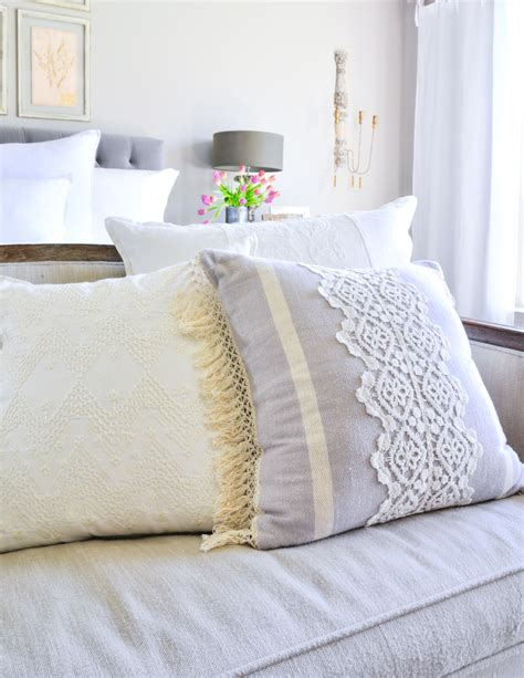 how to place throw pillows on a bed 100 how to place throw pillows on a bed how to