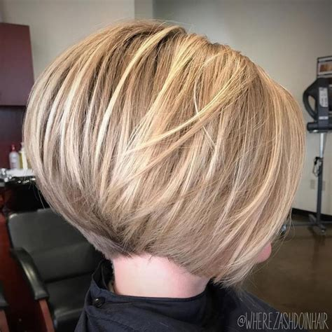 cutting your own short stacked bob 25 best ideas about layered bob short on pinterest