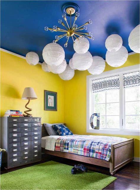 Kinderzimmer Junge Gelb by Bild Farben Kinderzimmer Junge Gelbe Wandfarbe Kobaltblaue