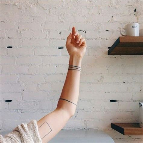 20 minimalist tattoos for the design lover brit co 20 minimalist tattoos for the design lover linie tattoo