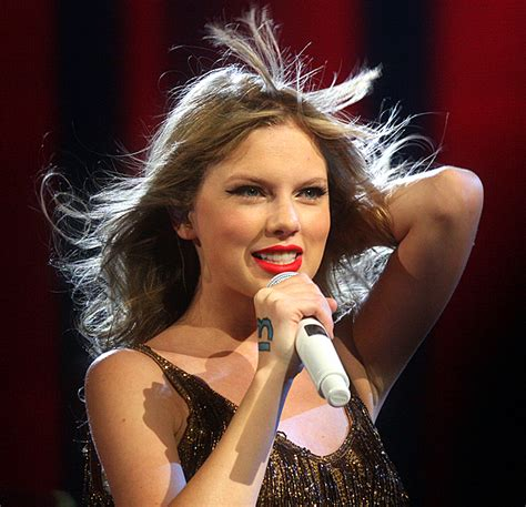 taylor swift wiki wikia file taylor swift 2012 jpg wikimedia commons