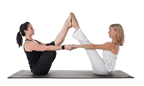 imagenes de yoga en pareja faciles yoga en pareja relajemos com