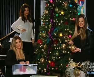 kim kardashian christmas tree 2013 kim kardashian and family pose for david lachapelle in