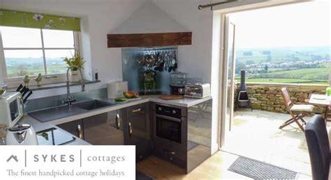 last minute cottage deals last minute cottages late availability deals