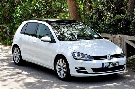white volkswagen golf 2014 pure white volkswagen mk7 golf gti exterior car