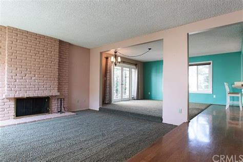 carpet wood or tile for living room and dinning room
