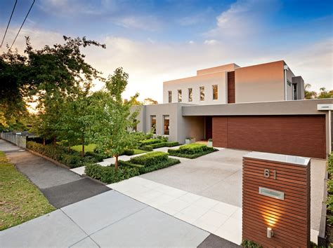 home design in 50 yard home with a minimalistic exterior located in surrey hills