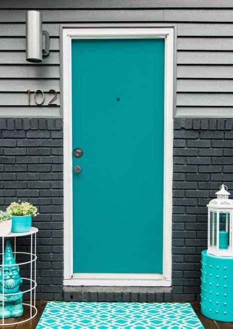 Merk Cat Tembok Warna Biru Tosca desain pintu rumah klasik warna biru tosca desain rumah unik