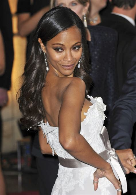 zoe saldana racial background cele bitchy zoe saldana responds to criticisms of her