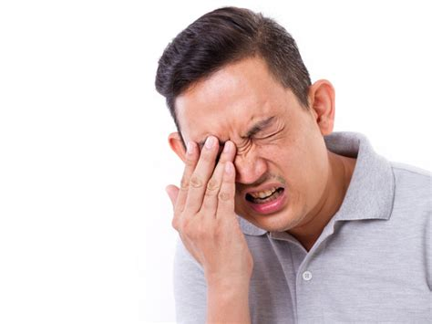 Painful Blind Eye Causes Of Eye Pain And Swelling Boldsky Com