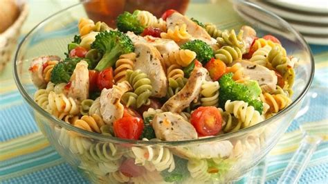 potluck salad zesty potluck pasta salad recipe from betty crocker