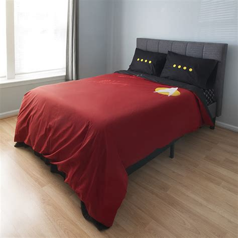 star trek bedroom star trek the next generation bedding set geekologie