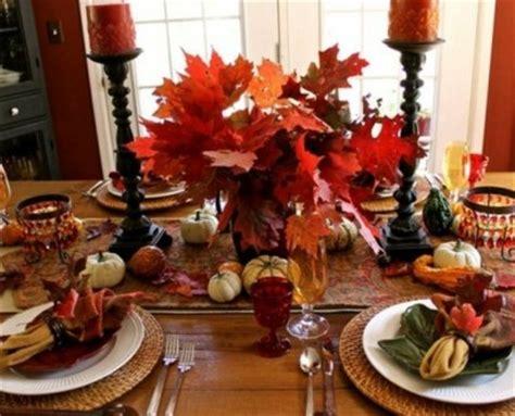 Herbstdeko Fenster Weiss by 30 Coole Ideen F 252 R Tischdeko Im Herbst Herbstdeko Basteln