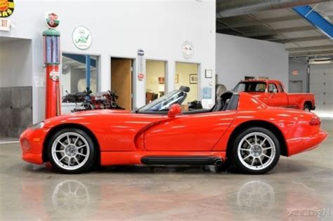 free car manuals to download 1994 dodge viper rt 10 interior lighting 1994 dodge viper rt 10 8l v10 manual 4k miles roof and side windows 94 gen 1 for sale photos