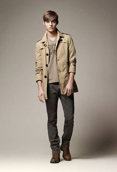 Burberry Models robbie wadge for burberry blue label summer 2011